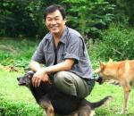 A Roaming Refuge for 1200 Animals